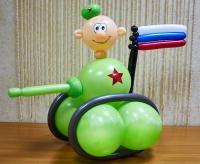 фигура из шаров «танкист» доставка шаров, воздушные шары, шарики с гелием, воздушные шары, воздушные шары спб